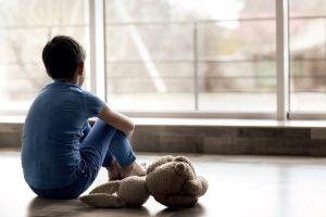 ÇOCUKLUK ÇAĞI DEPRESYONU NEDİR, TEDAVİ YOLLARI NELERDİR?